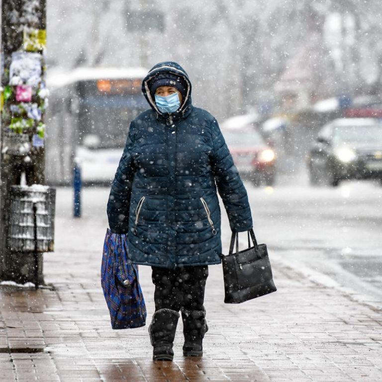 Тепла та безсніжна: кліматологиня розповіла, якою може бути зима в Києві