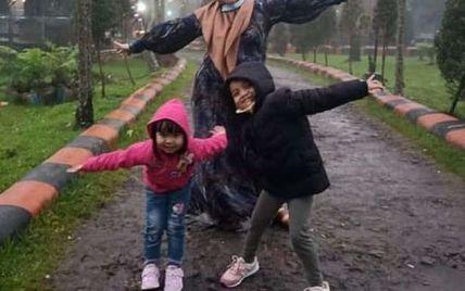 Авиакатастрофа в Индонезии: обнародовали последнее сообщение матери с детьми, которые были на борту (фото)