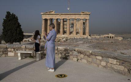 В закрытую для туристов Грецию прилетела еще одна украинка