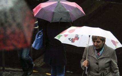 Киевлян и жителей области предупреждают о сильных порывах ветра 8 апреля