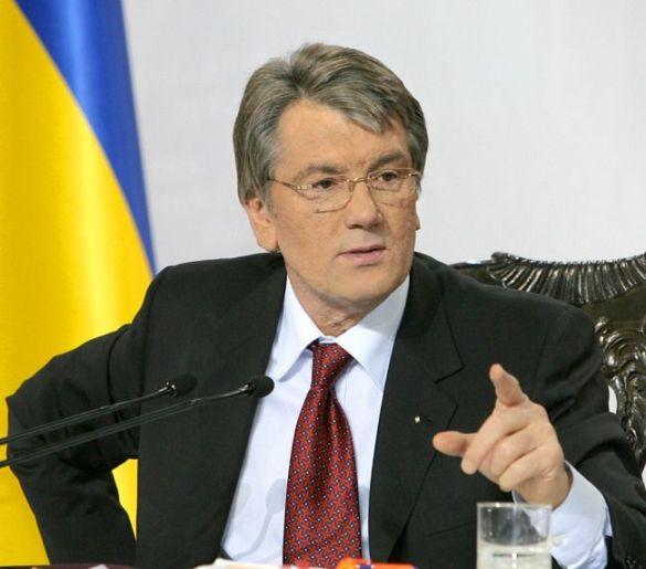 Віктор Ющенко дає прес-конференцію
