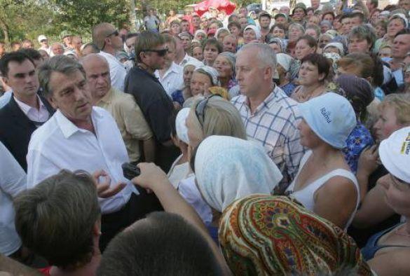 Віктор Ющенко на місці аварії