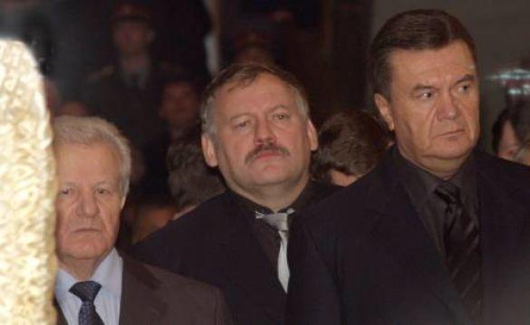 Костянтин Затулін, Віктор Янукович, Олександр Мороз на похованні Євгена Кушнарьова