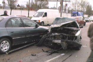 Чотири автомобілі зіткнулися під Миколаєвом