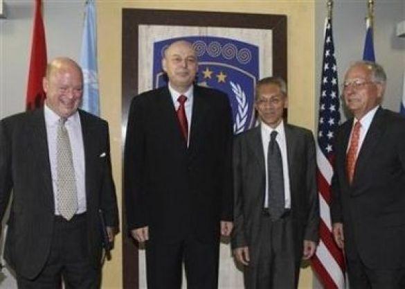 Агім Чеку та трійка з урегулювання косовської проблеми