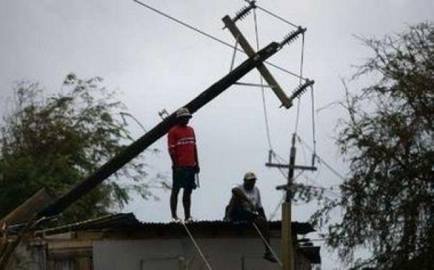"""Мексика в епіцентрі урагану """"Дін"""""""