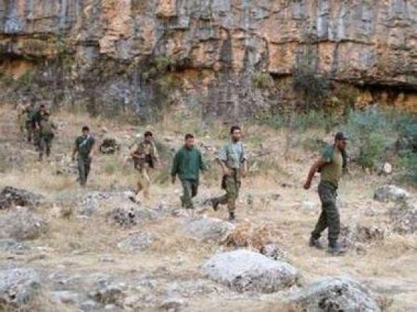 """Фото, розповсюджене про-курдським інформагентством """"Фірат"""", на якому зображені полонені турецькі військові"""