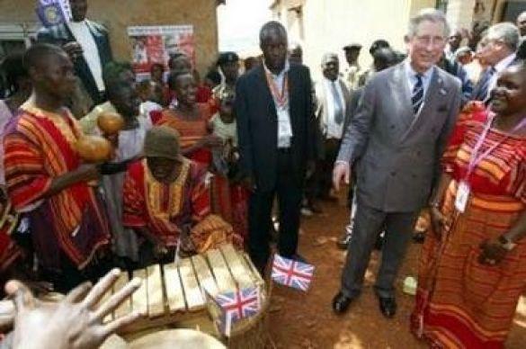 Візит принца Чарльза до Кавемпе, кварталу хрущоб у столиці Уганди Кампалі