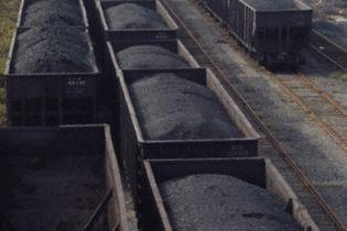 На Дніпропетровщині безробітні крали вугілля з потягів