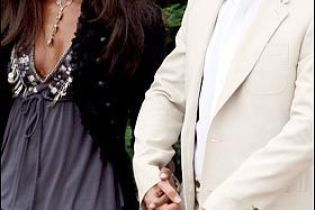 Dolce&Gabbana шиють весільну сукню для Кемпбелл