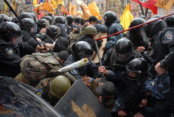 Сутички в Києві: затримано більше ста людей (відео)