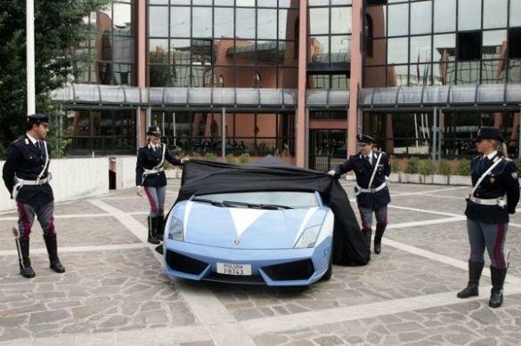 Поліцейський Lamborghini Gallardo