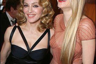 Мадонна благає Гвінет Пелтроу переїхати разом з нею