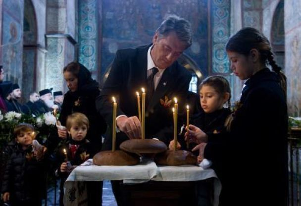 У Києві вшанували пам'ять жертв Голодомору (відео)