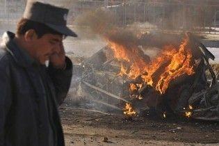 Смертник підірвав себе біля посольства США в Кабулі (відео)