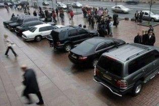Українці стали купувати у 2,5 рази менше нових авто
