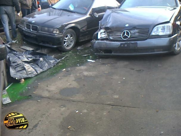У Києві п'яний водій на смерть збив пішохода (фото)