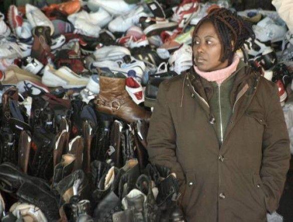 Взуття на ринку
