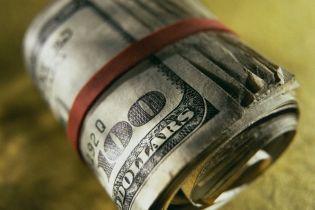 Долар обвалився нижче 8 гривень і продовжує падати