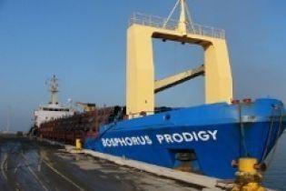 Вимоги піратів, які захопили судно з українцями, невідомі