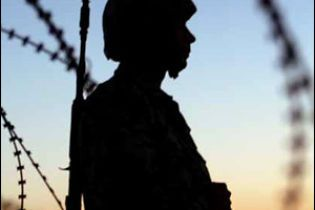 Український командир здав на брухт 70 тисяч шоломів