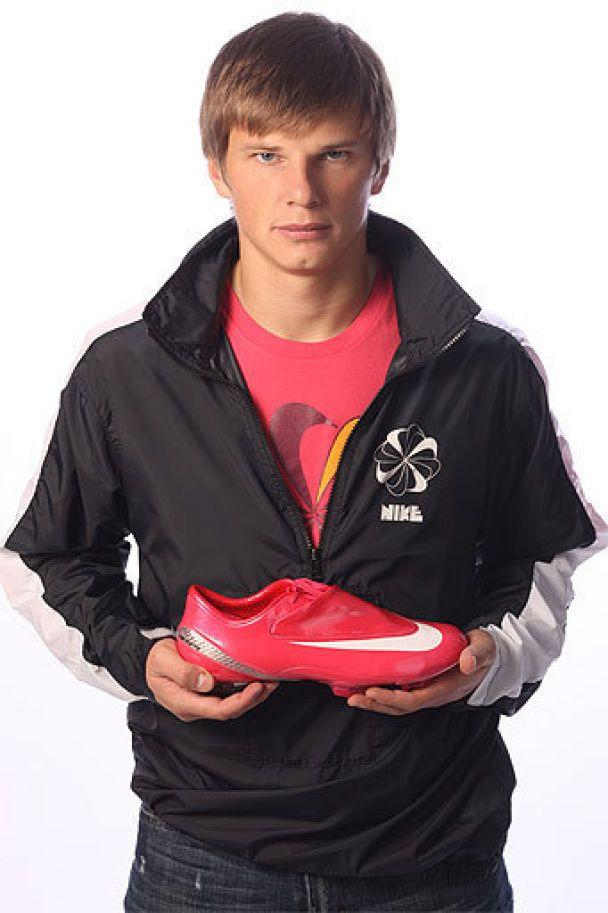 Футболіст Аршавін полюбив жіноче взуття