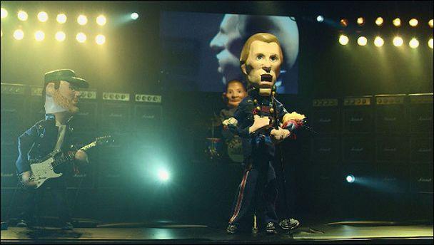 Музикантів Coldplay замінили на маріонеток