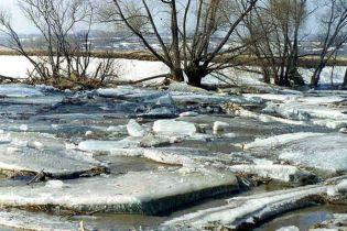 На Львівщині піднялись ріки: 84 людини відселені