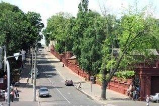 На київські кладовища пустять додатковий транспорт