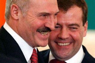 Лукашенко про себе і Мєдвєдєва: милі чубляться, значить любляться