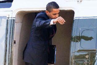 Обама не вписався в двері вертольота