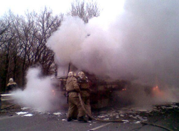 На Донеччині згорів автобус