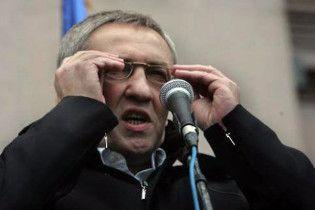 Прокуратура заборонила Черновецькому звільняти вчителів