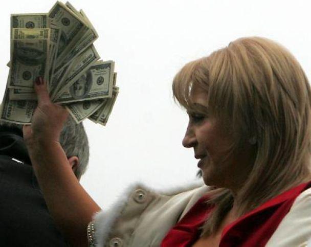 Черновецький влаштує перегони та навчить молодь цілуватися