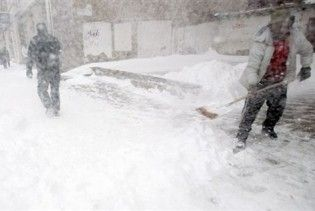 Внаслідок сильного снігопаду в США загинуло вже п'ятеро людей