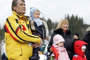 Ющенко святкує 55-й День народження в Карпатах