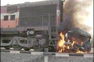 В Індії потяг зіткнувся з весільним автобусом. 11 загиблих
