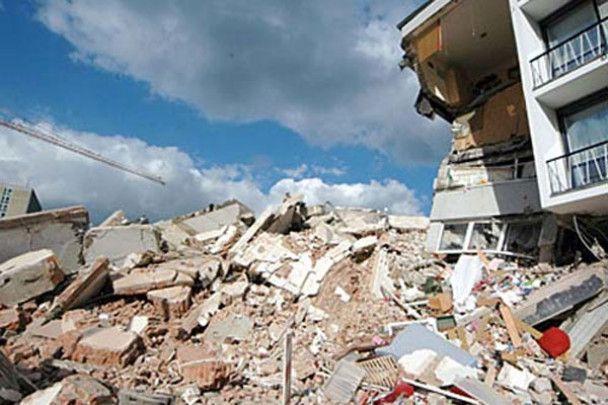У Кельні обвалилася багатоповерхова будівля міського архіву