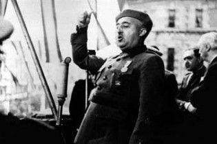 Онук диктатора Франко побив свою наречену та погрожував її вбити