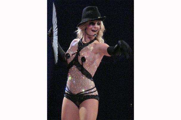 Брітні Спірс вийшла на сцену в блисках і корсеті