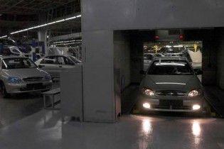 В Україні стали виробляти на 80% менше машин
