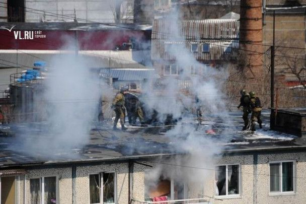 """Міліція """"викурила"""" бандитів з даху"""