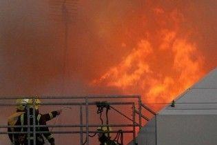 У центрі Лондона досі горить п'ятиповерхова будівля