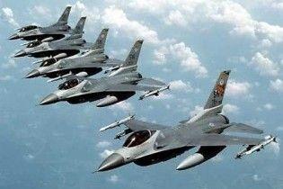 США постачатиме Іраку винищувачі F-16