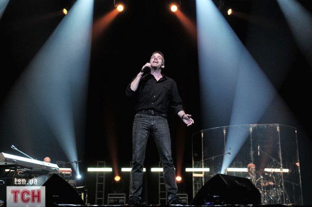 Гару в Києві співав без світла