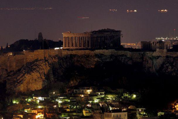 Греція стала лідером з відключення світла у Годину Землі