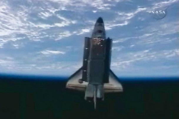 Шаттл Discovery з другої спроби повернувся на Землю