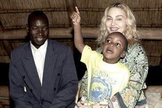 Батько дівчинки з Малаві відмовив Мадонні в удочерінні