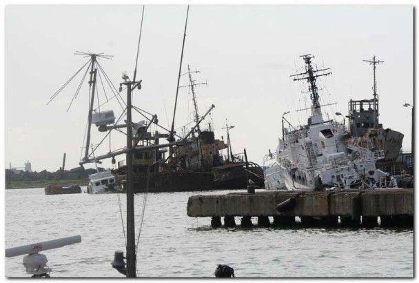 Грузія продала туркам затоплені військові кораблі