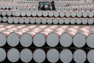 Ціна нафти впала нижче 50 доларів за барель